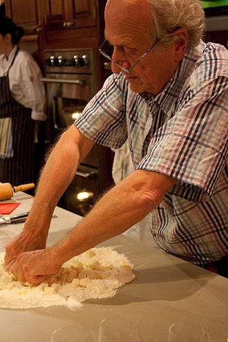 Michel Roux - Michel Roux making pastry in 2009