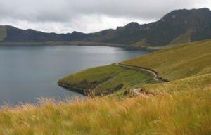 Northern Andean páramo - Páramo vegetation around the Mojanda caldera in northern Ecuador