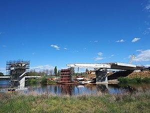 Majura Parkway - The Molonglo River bridge under construction in October 2014