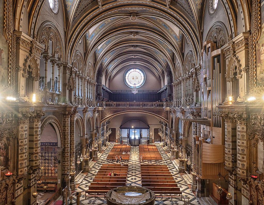 Monasterio de Montserrat.Interior de la basílica-Santa Maria de Montserrat Abbey