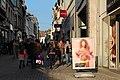 Mons - Rue de la Chaussée - Les sucettes aux couleurs de Mons.jpg