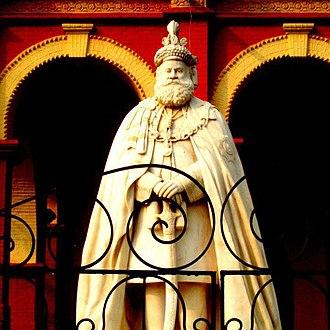 Darbhanga - Statue of Lakshmeshwar Singh Bahadur, former Maharaja of Darbhanga