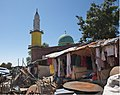 Mosque and Market, Harar, Ethiopia (2758114142).jpg