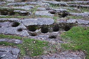 Bedrock mortar - Image: Muidu bedrock mortars