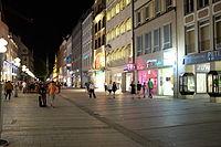 Munchen centre by night.JPG