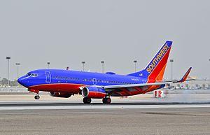 N752SW Southwest Airlines 1999 Boeing 737-7H4 C-N 29804 (6900322470).jpg