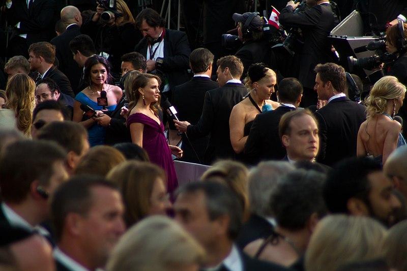 File:Natalie Portman (2011 Academy Awards) 01.jpg