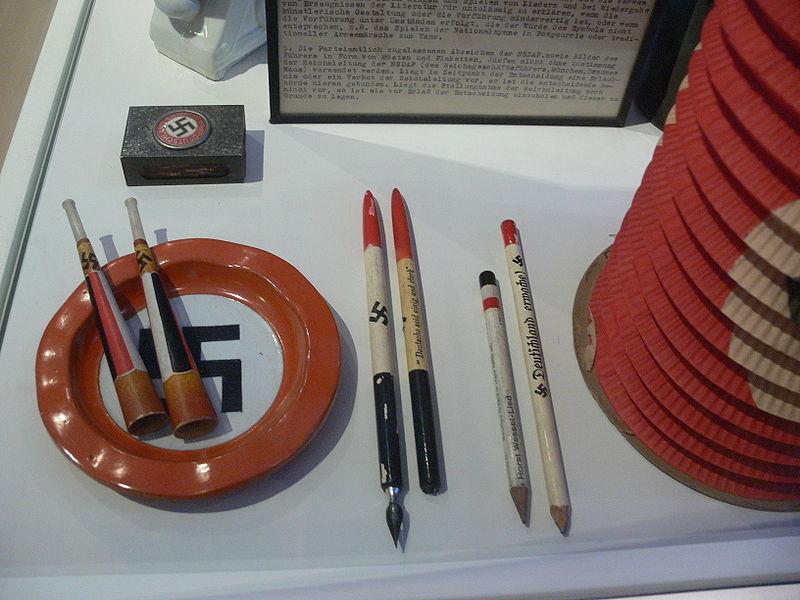 File:Nazi-Kitsch.jpg