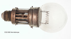 Nernst lamp, complete, model B with cloche, DC-lamp 0.5 ampere, 95 volts, by courtesy of Landesmuseum für Technik und Arbeit in Mannheim, Germany, (Engl.: State Museum of Technology and Labour, Mannheim)