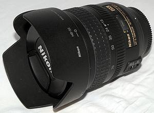 Nikon AF-S DX Zoom-Nikkor 18-70mm f/3.5-4.5G ED-IF - Image: Nikon 18 70mm f 3.5 4.5