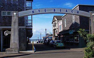 Nye Beach - Nye Beach Arch on Coast Street