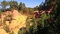 Ocres de Roussillon dans le Vaucluse 01.jpg
