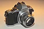 Oly-E-M5.jpg
