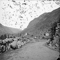 Orlu, le village, Ariège 1900.jpg