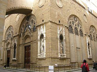 Niche (architecture) - Image: Orsanmichele, base