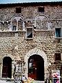 Palazzo di Checco il Bello Magliano in Toscana.jpg