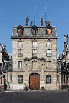 Paris, caserne Château-Landon 02.jpg