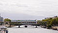 Paris Metro Pont de Bir-Hakeim Bridge October 8, 2011.jpg
