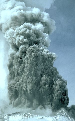 Phreatic eruption - Phreatic eruption at the summit of Mount St. Helens, Washington, in the spring of 1980