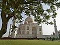 Picturesque view of Taj Mahal.jpg