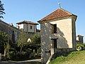 Pigeonnier-octroi de Maignaut-Tauzia with town gate.jpg