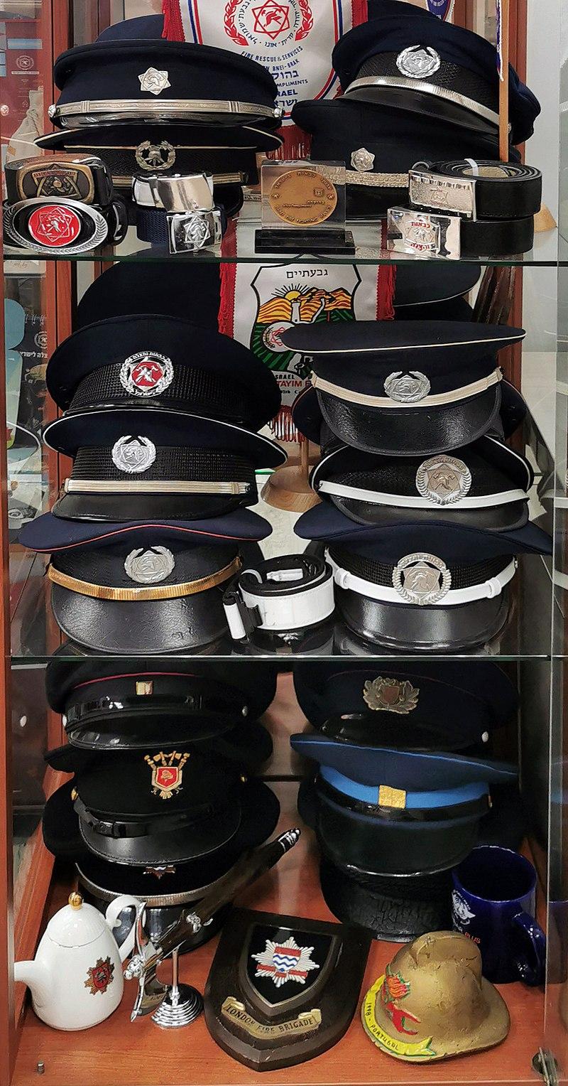 כובעי מכבי אש