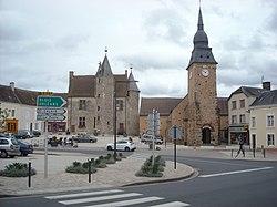 Place du château, Bouloire.jpg