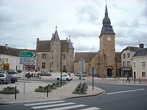 Bouloire - The church of Saint-Georges and the place of the Château