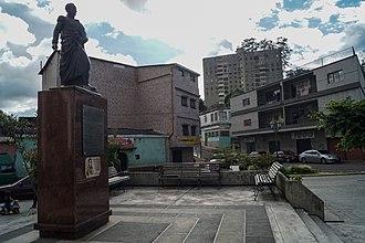 San Antonio de Los Altos - Image: Plaza Bolívar de San Antonio de Los Altos, Estado Miranda 01