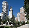 Plaza de España in Madrid (28693792130).jpg