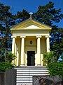 Pohřební kaple Šternberků v jihozápadní části obce Stupno.JPG