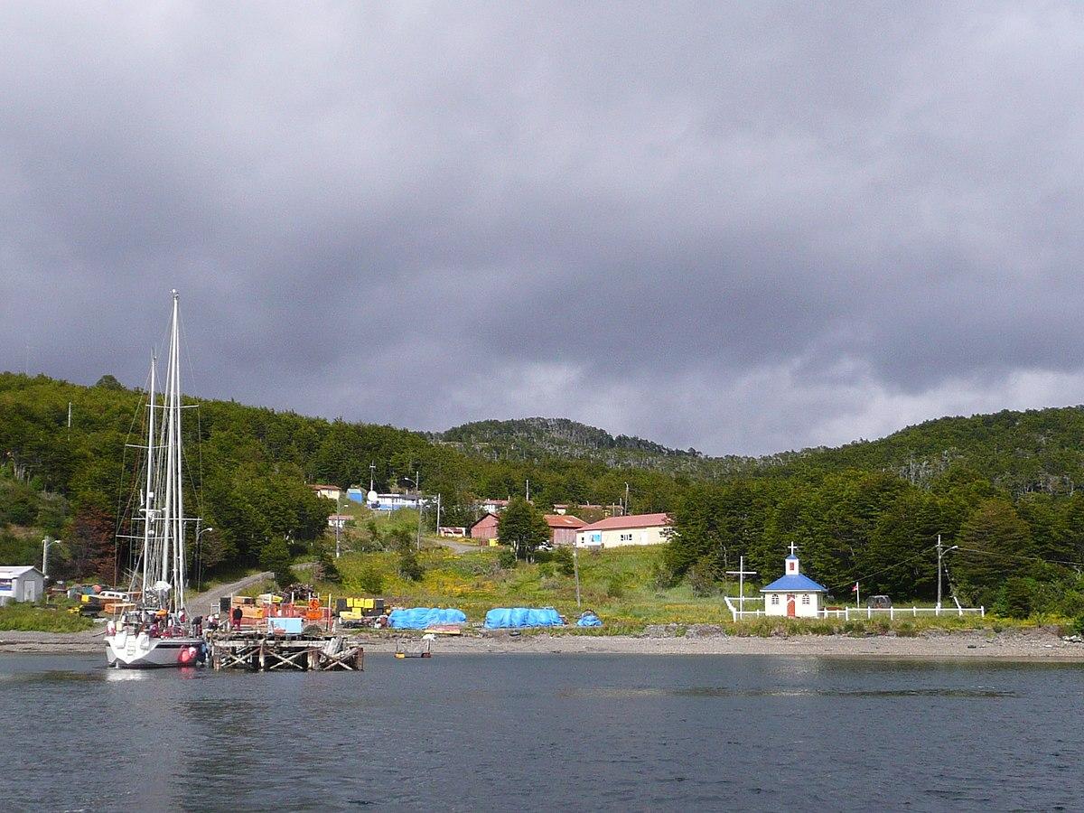 Puerto Toro — Wikipédia