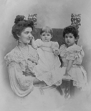 Princess Mafalda of Savoy - Mafalda as a child, with her mother Queen Elena and sister Princess Yolanda.