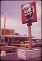 ROADSIDE EATING ON HYLAN BOULEVARD IN STATEN ISLAND - NARA - 547862.tif