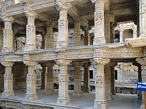 Rani ki vav - Carved pillars inside Rani ki Vav