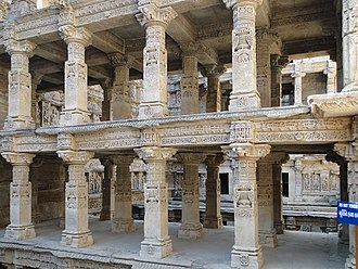 Rani ki vav - Carved pillars inside Rani ki Vav