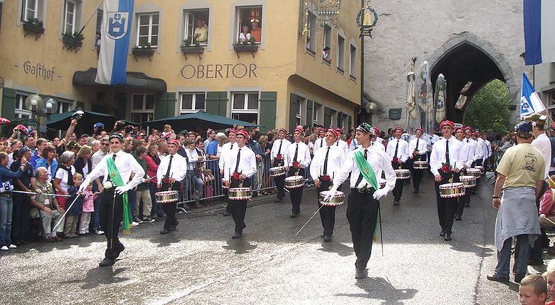 File:Ravensburg Rutenfest 2005 Festzug Trommlerkorps.jpg