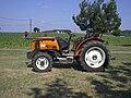 Renault Fructus 120 tractor, side view.jpg