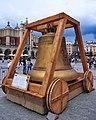 ReplikaDzwonuZygmunt-Jubileusz500-LeciaZawieszeniaDzwonuZygmunt2021-RynekGłówny-POL, Kraków.jpg