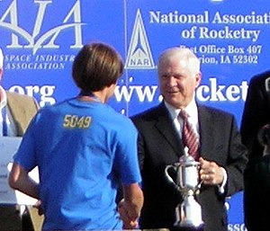 Team America Rocketry Challenge - Defense Secretary Robert Gates shaking hands with a 2007 participant