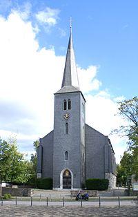 Roetgen Hauptstraße 66 Katholische Hallenkirche.jpg