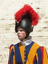 Rom, Vatikan, Soldat der Schweizer Garde 2.jpg