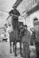 Rom abruzzese in piedi sul cavallo.png