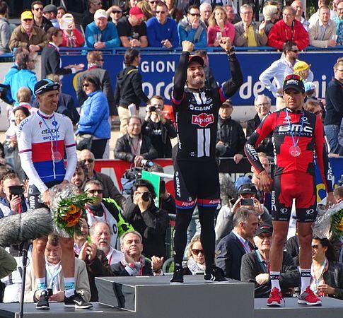 Roubaix - Paris-Roubaix, 12 avril 2015, arrivée (B21).JPG