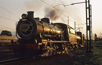 South African Class 14A 4-8-2 - Image: SAR Class 14R 1590 Cato Ridge 240378