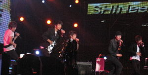 Shinee - Shinee in February 2009 performing at Rajamangala Stadium in Bangkok.