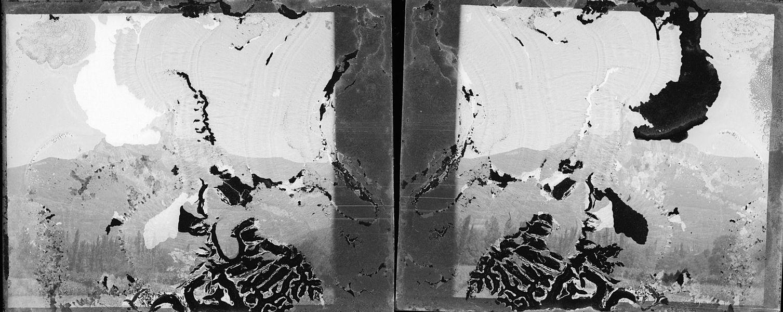 Fonds Trutat - Photographie ancienne  Cote: TRU C 479 Localisation: Fonds ancien Original non communicable  Titre: Saint-Béat: pic du Gar, 22 août 1902  Auteur: Trutat, Eugène Rôle de l'auteur: Photographe  Lieu de création: Haute-Garonne (Midi-Pyrénées) Date de création: 20e siècle, 1e moitié  Mesures: 11 x 5 cm  Observations: plauqe très abîmée  Mot(s)-clé(s):  -- Sommet (montagne) -- Pic (montagne) -- Végétation -- Peuplier  -- Haute-Garonne (Midi-Pyrénées) -- Saint-Béat (Haute-Garonne; canton)  -- 20e siècle, 1e moitié  Médium: Photographies Médium: Positifs sur plaque de verre -- Noir et blanc -- Stéréogrammes -- Paysages de montagne   Bibliothèque de Toulouse. Domaine public