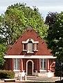 Saint-Léger-lès-Domart, maison sur la place 2.jpg