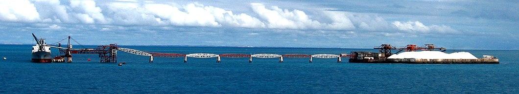 Porto-Ilha de Areia Branca no município de Areia Branca, responsável por 95% de todo o sal brasileiro.[91]
