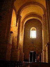 Interior de Sant Andreu de Sureda desde el ábside
